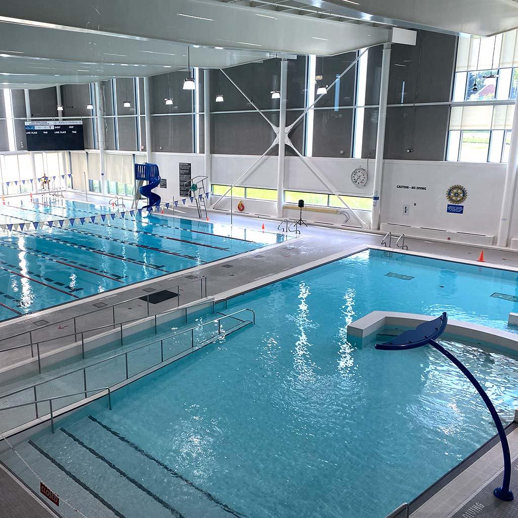 Leisure pool in YMCA of Owen Sound Grey Bruce Health, Fitness & Aquatics facility